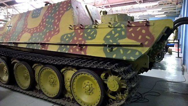 [CDA] Dero - Allemands - Page 13 Bovington-jagdpanther-88mm-tank-destroyer-side