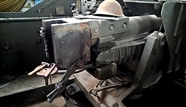 Preserved Canadian WW2 Sexton II 25pounder artillery howitzer
