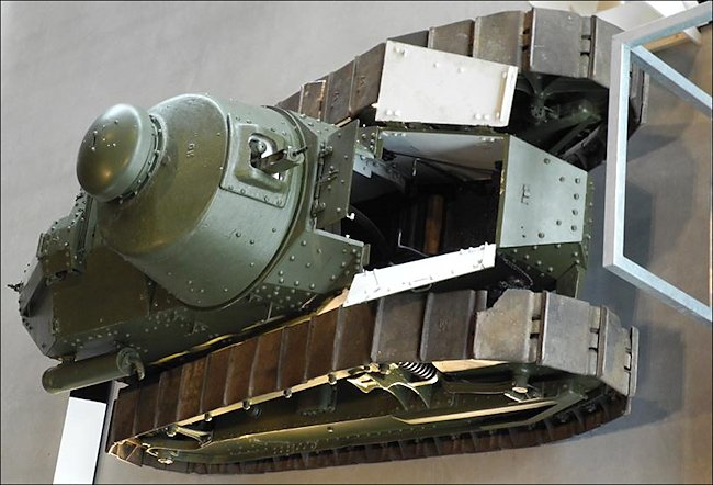 Restored French built WW1 Renault FT-17 Tank