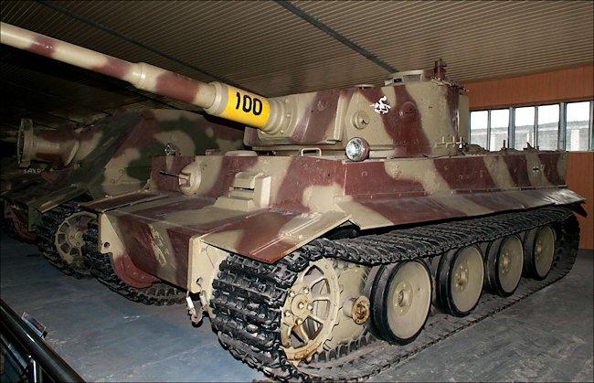 kubinka-tiger-tank-russian-flash.jpg