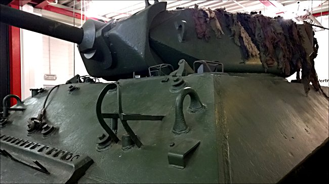Surviving British WW2 M10 Achilles 17pdr Tank Destroyers can be found at the Deutsches Panzermuseum Munster Germany